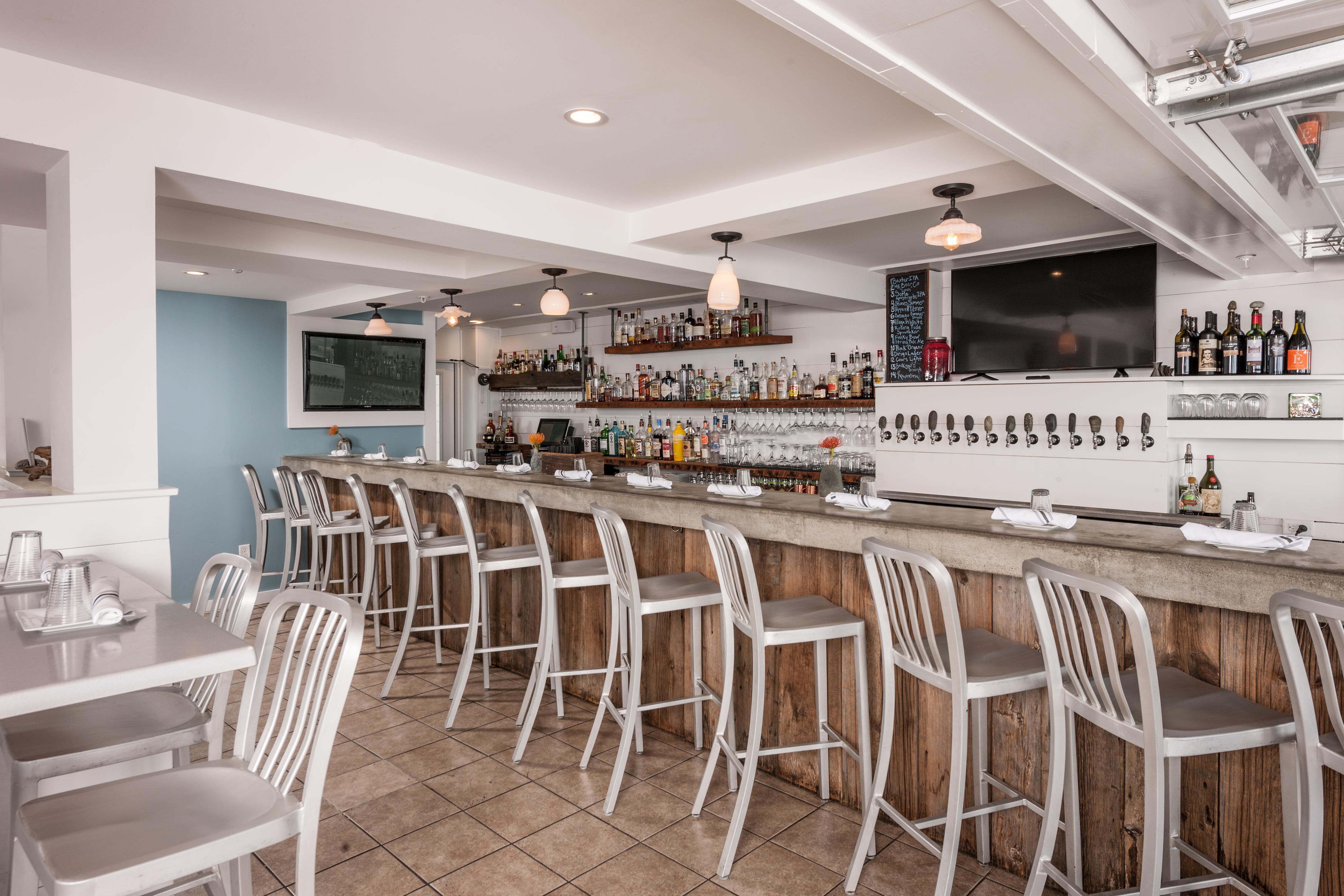 Beachfront Bar, York Maine