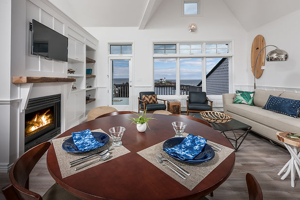 2 Bedroom Suite with Ocean View and Private Balcony in Cape Neddick, Maine