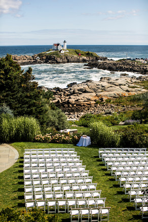 Southern Maine outdoor wedding venue  Photo By: Jordan Luciano of Anne Skidmore Photography