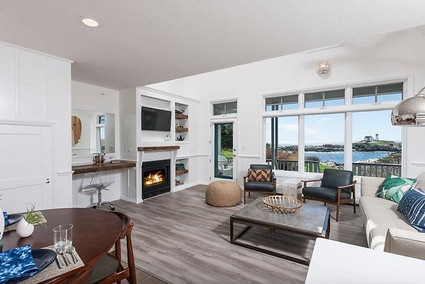 1 Bedroom Honeymoon Suite with Ocean View at York, Maine Hotel