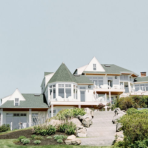 Hotel Policies at The ViewPoint Hotel | Cape Neddick Oceanview Hotel Suites | Photo by Elizabeth Laduca