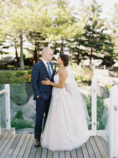 Your Dream Destination Wedding Awaits at this Stunning Wedding Venue in Maine