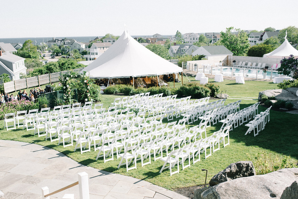 The ViewPoint Hotel accommodates up to 150 guests for an outdoor wedding ceremony  Photo By: Elizabeth Laduca