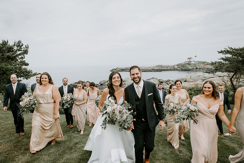 Weddings at The ViewPoint Hotel in York, Maine. Outdoor Wedding Venue