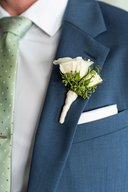 F as in Flowers   New England   White Boutonniere   Beach Weddings