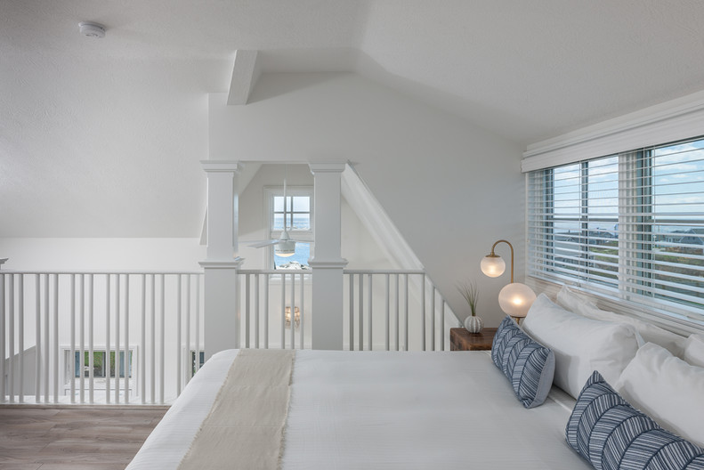 ViewPoint Hotel | York Beach, Maine | Open Loft Suite 102 King Bed