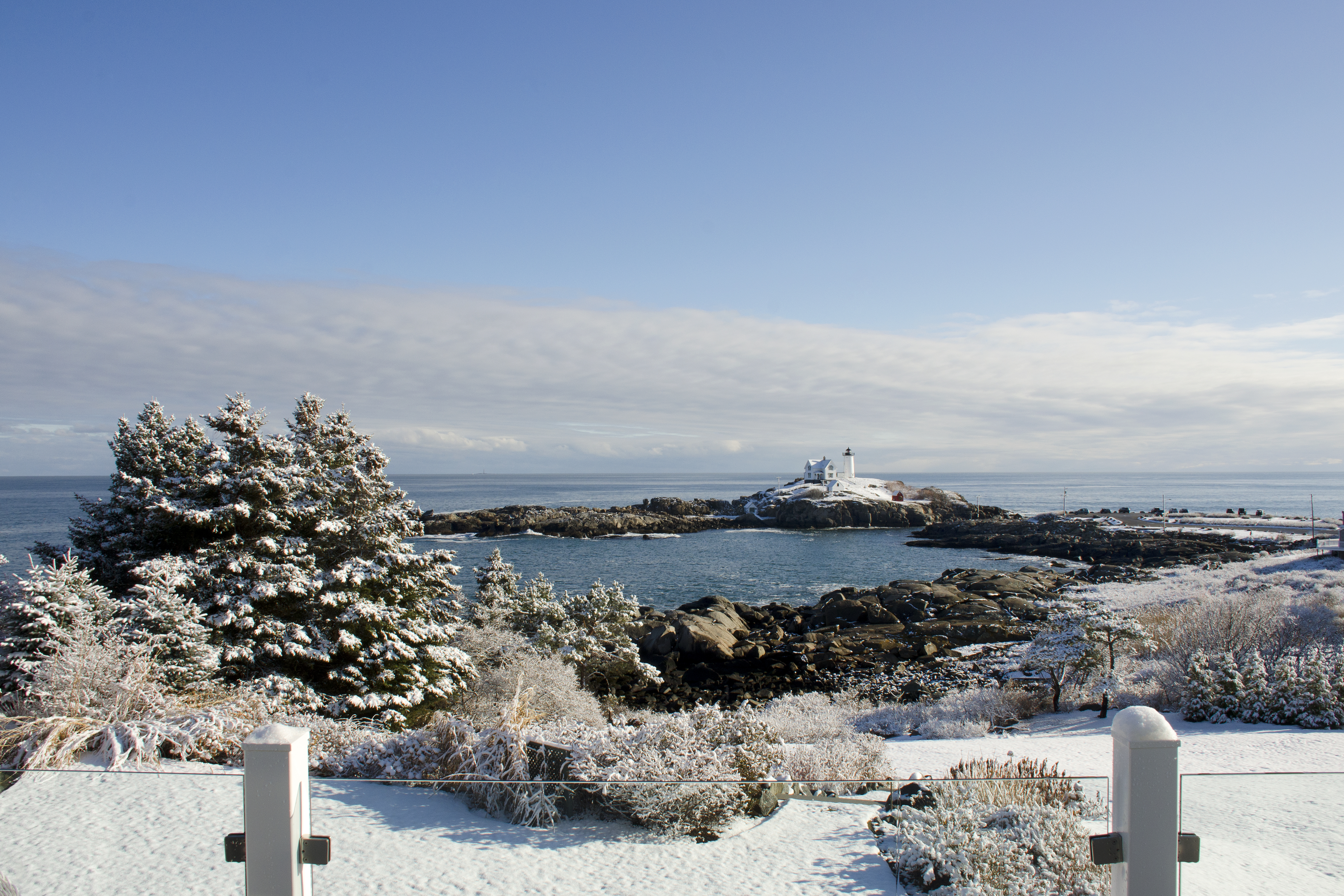The ViewPoint Hotel in York, Maine is open year-round