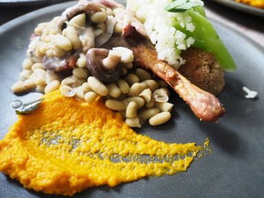Duck leg with Haricot beans