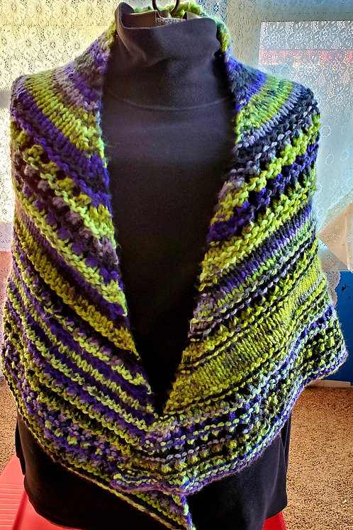 Hand Knitted Triangle Shawl Chunky Yarn Knitted Wrap