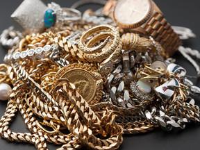Florida Jeweler Suspected Of Robbing Himself