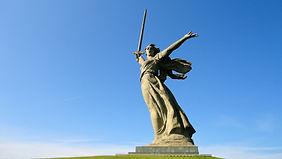 1-Mamaev-kurgan-i-memorial---Rodina-mat-