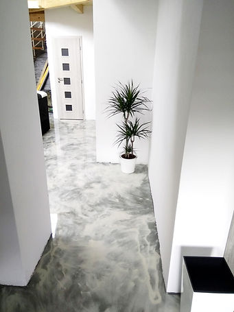 Epoxidová litá podlaha s designem_edited.jpg