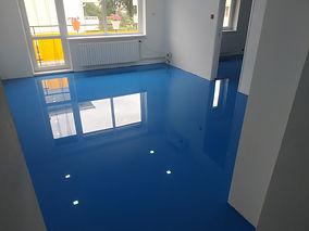 Modrá epoxidová podlaha s glitry