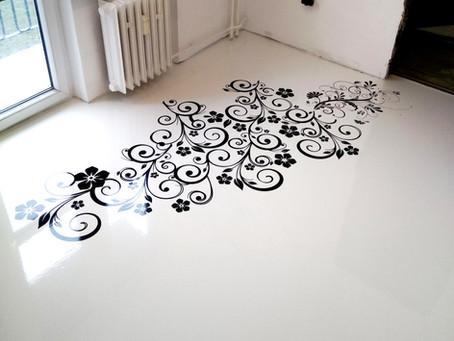 Uvažovali jste někdy o bílé podlaze? A víte, že to není dobrý nápad? Proč?