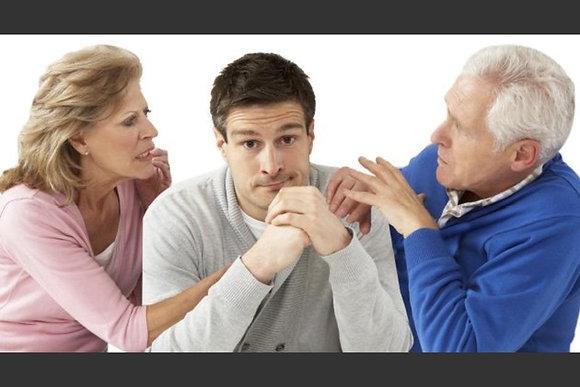 LOS NIÑOS-ADULTOS ¿qué siente un hijo mayor que sigue empollado por sus papás?