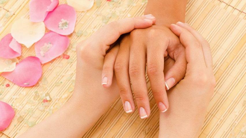 Hand Massage (30 mins)