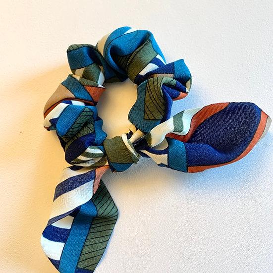 Retro Geometric Bow Scrunchie