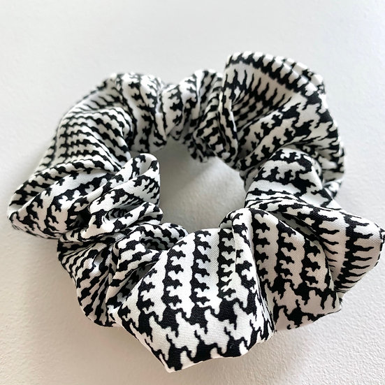 Black & White Houndstooth Scrunchie