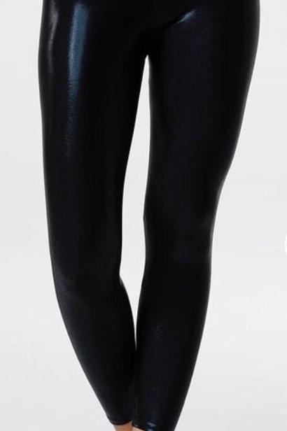Onzie High Rise Midi Legging in Black Mystique
