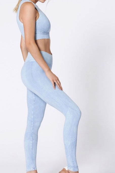 Nux One By One Legging in Sky High Wash