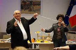 Comprendre le théorème de Pythagore à partir d'une application pratique: une corde Egyptienne à 13 noeuds, maths par la main, Apprieu 38, Jean Bruasse, Bernard PERRIN