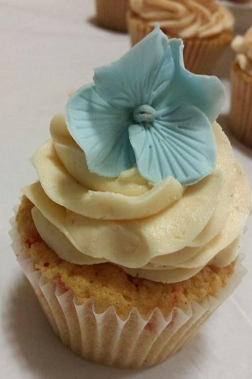 12 Blue Hydrangea Cupcakes