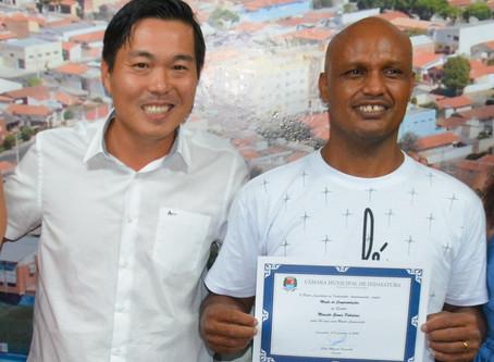 Mestre azulão é homenageado pelos 34 anos de capoeira