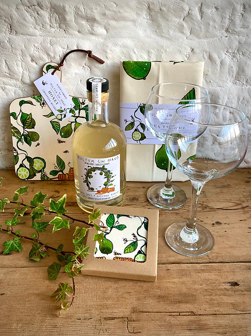 Large Gift Sets 70cl Gin, two Glasses, Chopping Board, Coasters and Tea Towel