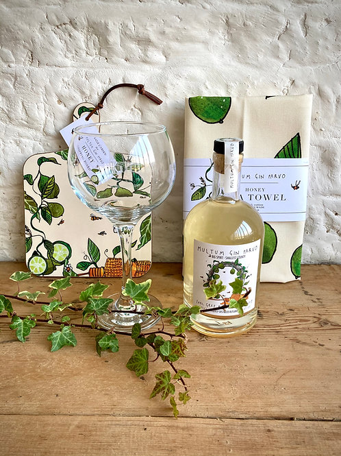 Small Gift Sets 50cl Gin, one Glass, Chopping Board and Tea Towel