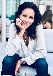 Renea Menzies Bio image model, artist, painter creator of art
