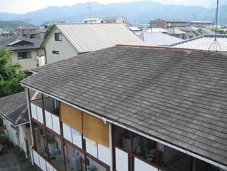 あなたの家の屋根は傷んでます。