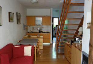 Appartamento su due piani - Branzi, via Roma