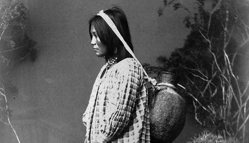 San_Carlos_Apache_woman_(F24259_DPLW)_ed