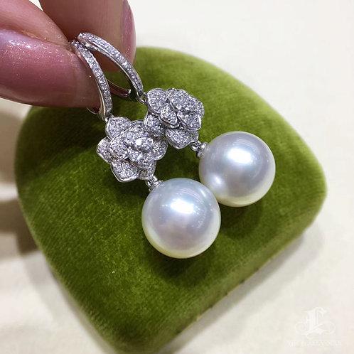 0.68ct Diamond AAAA 12-13 mm South Sea Pearl Classic Earrings 18k Gold