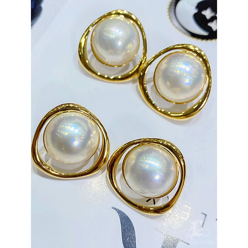 AAAA 14 mm Mabe Pearl Classic Earrings 18k Gold