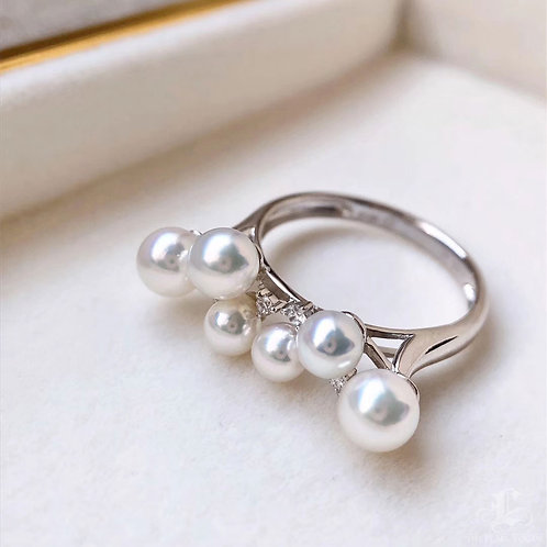 AAAA 3.5-5.5mm Baby Akoya Pearl Ring 18k Gold w/ Diamond