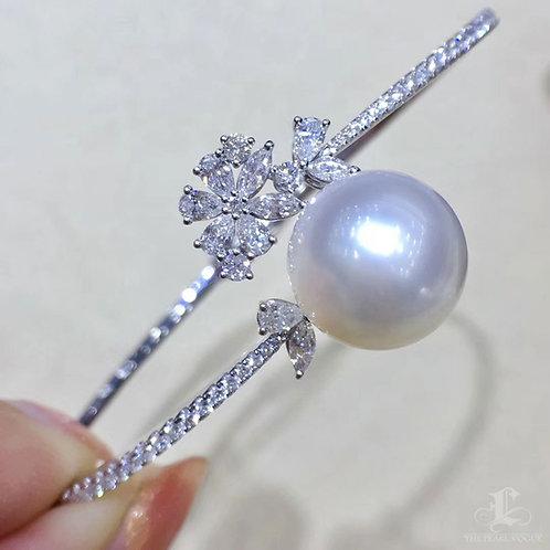 1.22ct Diamond, AAAA 12-13 mm South Sea Pearl Adjustable Bracelet, 18k Gold