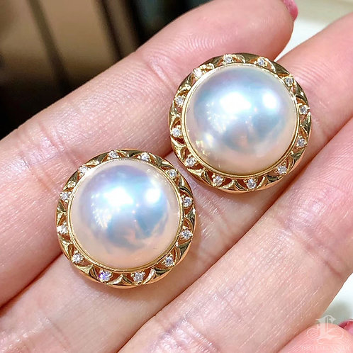 0.52ct Diamond Aurora 14-15 mm Mabe Pearl Earrings 18k Gold