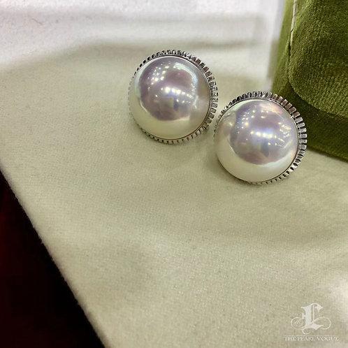 16 mm Mabe Pearl Classic Earrings 18k Gold w/ Diamond - AAAA