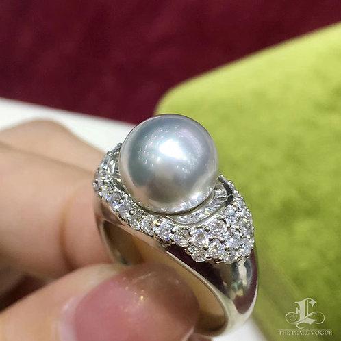 0.97ct Diamond AAAA 10.2 mm White South Sea Pearl Luxury Ring, 18k Gold