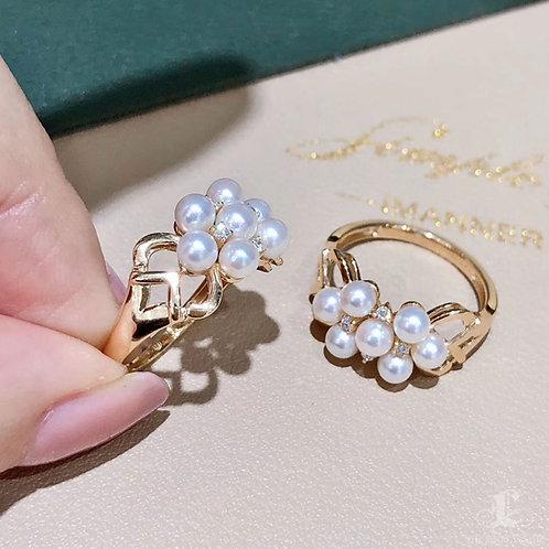AAAA 3.5-4 mm Akoya Pearl Earrings 18k Gold w/ Diamond