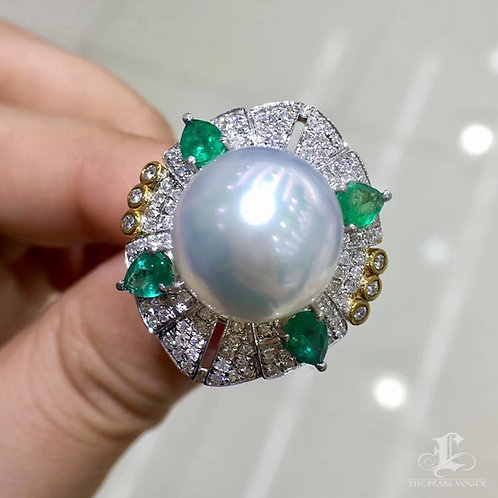 1.28 ct Emerald AAAA 14-15 mm South Sea Pearl Royal Ring, 18k Gold w/ Diamond