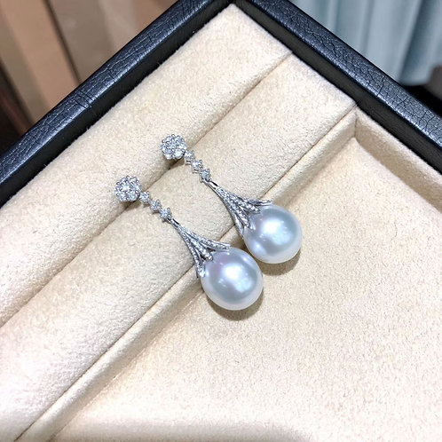 1.16ct Diamond, AAAA 12-13 mm South Sea Pearl Classic Earrings 18k Gold