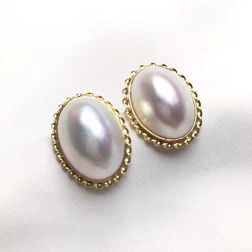 12 x 16 mm Oval Mabe Pearl Earrings 18k Gold -  AAA