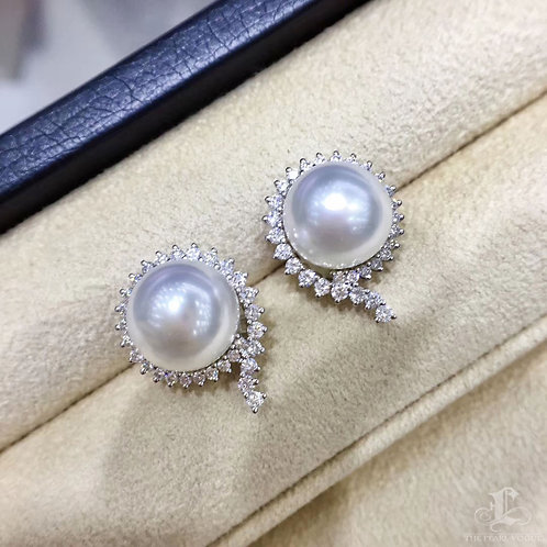 0.95ct Diamond, AAAA 10-11 mm South Sea Pearl Luxury Earrings 18k Gold