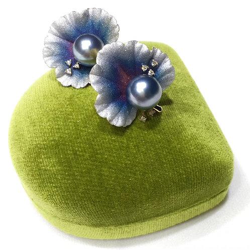 AAAA 8-9 mm Tahitian Pearl Earrings, 18k Gold w/ Diamond
