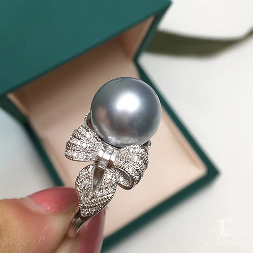 0.60ct Diamond AAAA 12-13 mm Tahitian Pearl Ring, 18k Gold