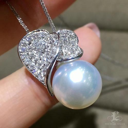 0.75ct Diamond AAAA 12-13mm White South Sea Pearl Pendant, 18k Gold