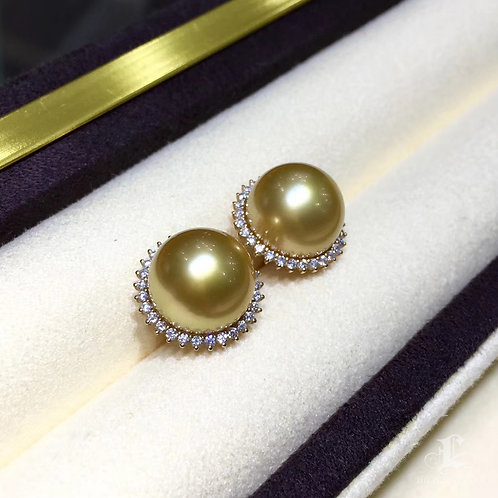 0.30ct Diamond AAAA 11-12 mm South Sea Pearl Classic Earrings 18k Gold