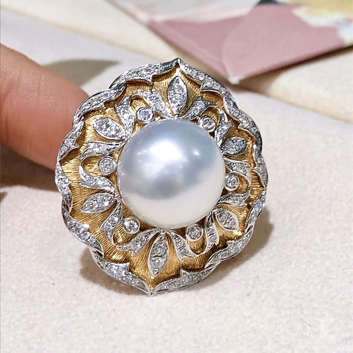 0.85ct Diamond AAAA 14 mm South Sea Pearl Royal Ring, 18k Gold